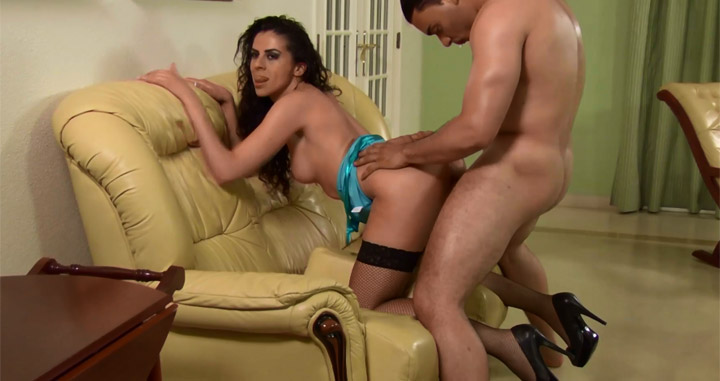Hot-brunette-in-stockings-gets-hot-sex,-portuguese-xvideo